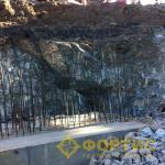 Фортис-Строй. Разборка гранитной плиты газогенераторами давления шпуровыми. ЗАО Карабашмедь